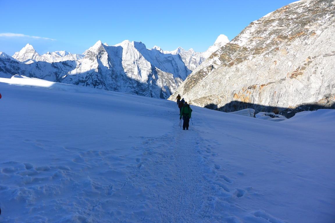 """2019年5月 『ヒマラヤピークトレッキング 4: アイランドピーク』May 2019 \""""Himalaya Peak Trekking 4: Island Peak\""""_c0219616_23223647.jpg"""