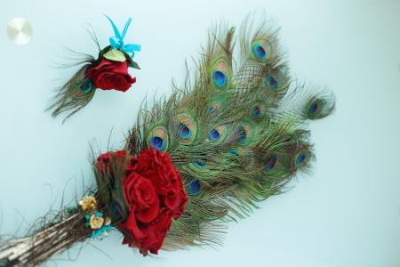ペニンシュラホテルの花嫁様へ 孔雀の羽と、赤バラのブーケと、仮面舞踏会_a0042928_13510242.jpg