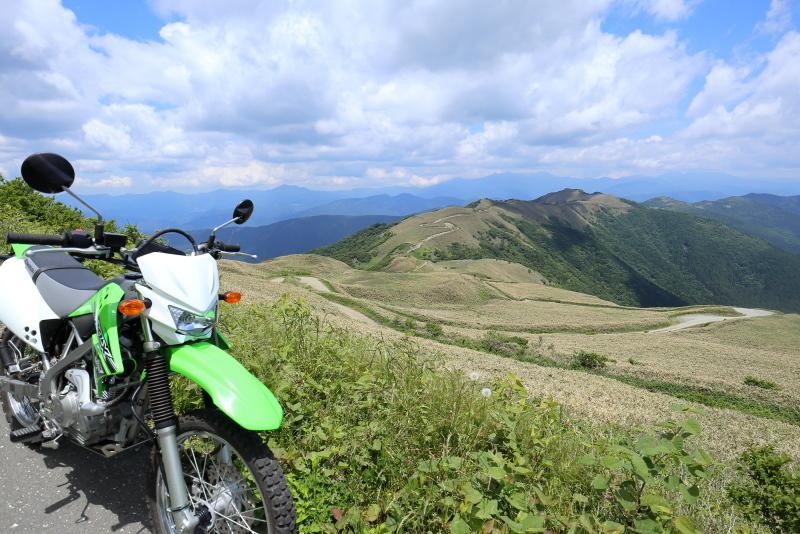 KLXで、中津明神山「天空の林道」へ その1_a0077663_08232219.jpg