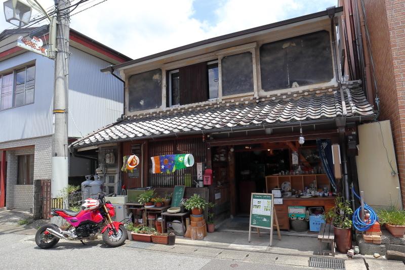 食堂 フライパンは、ザ・昭和!!_a0077663_15503256.jpg