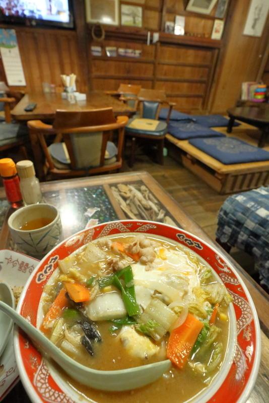 食堂 フライパンは、ザ・昭和!!_a0077663_15503325.jpg