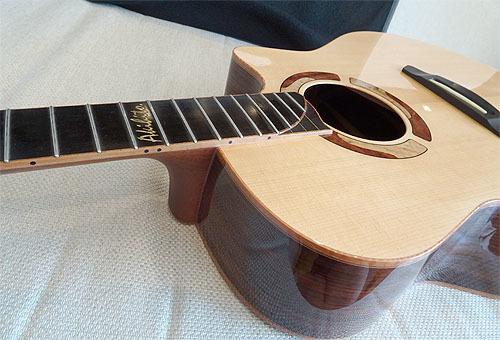 ヨコヤマギター「AR-WR #300」 にガット弦を張ってみた!_c0137404_19272454.jpg