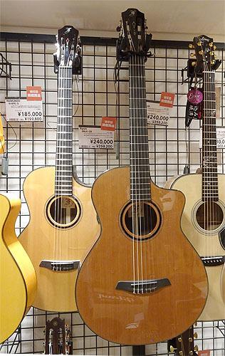 ヨコヤマギター「AR-WR #300」 にガット弦を張ってみた!_c0137404_19274669.jpg
