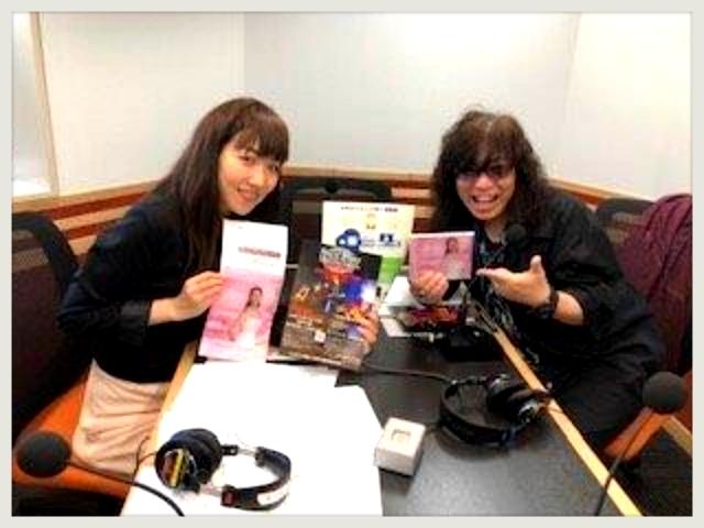 憧れのレッドカーペット!茜沢ユメルさん歌手も映画監督もー☆_b0183113_20342657.jpg