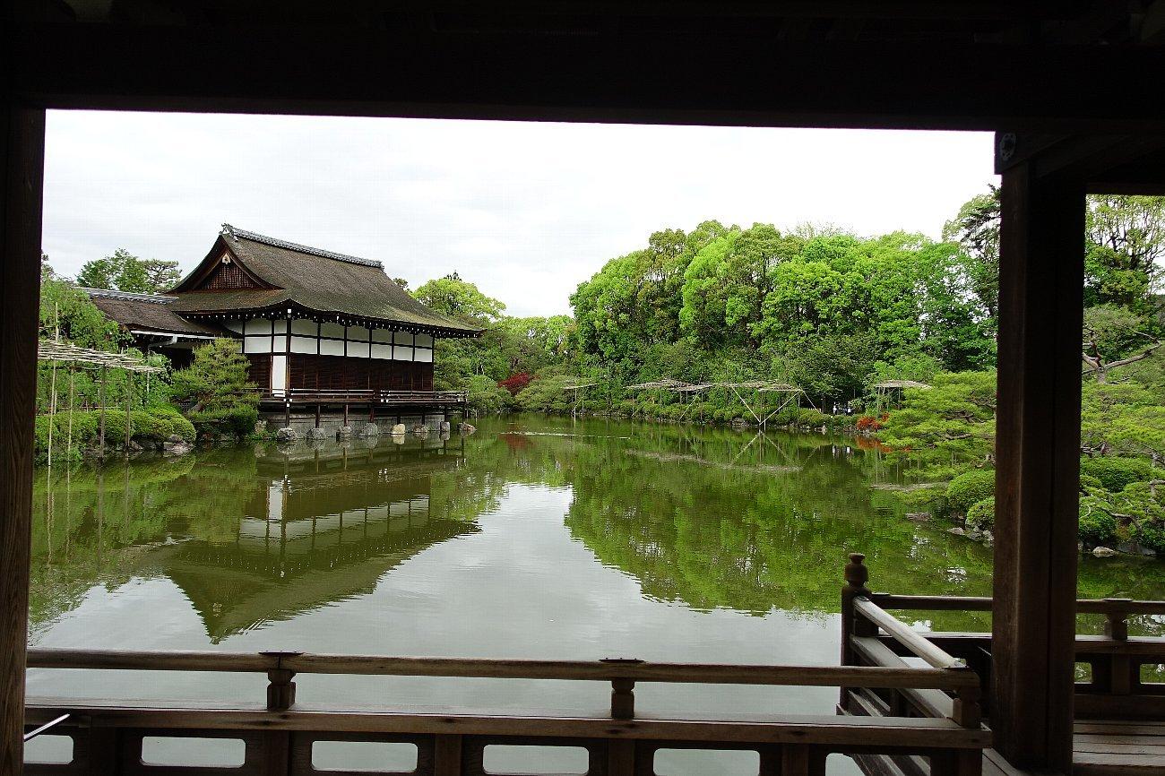 平安神宮 (その6)東神苑の社殿_c0112559_14205441.jpg