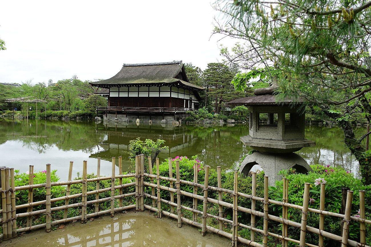 平安神宮 (その6)東神苑の社殿_c0112559_14231671.jpg
