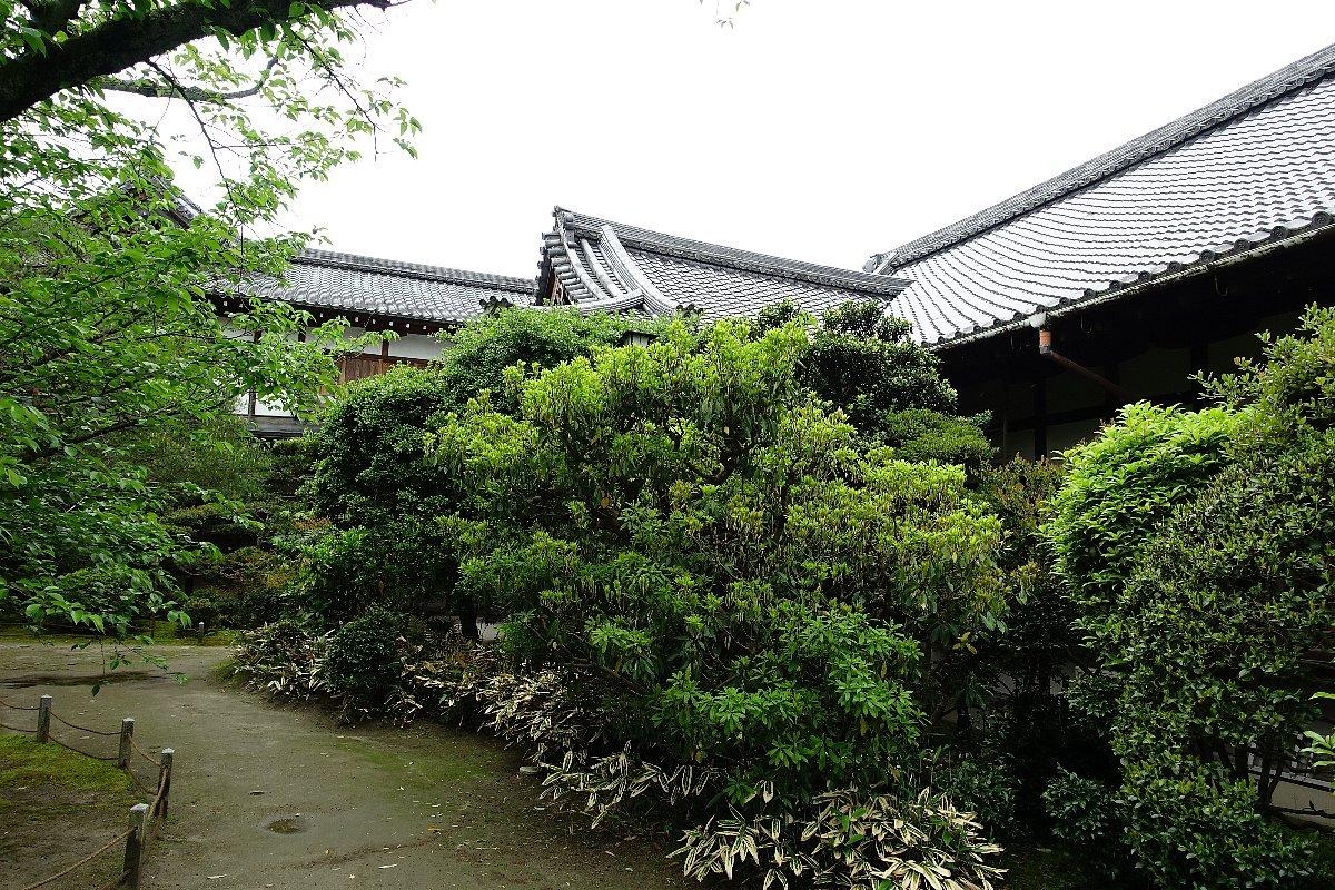平安神宮 (その6)東神苑の社殿_c0112559_14283770.jpg