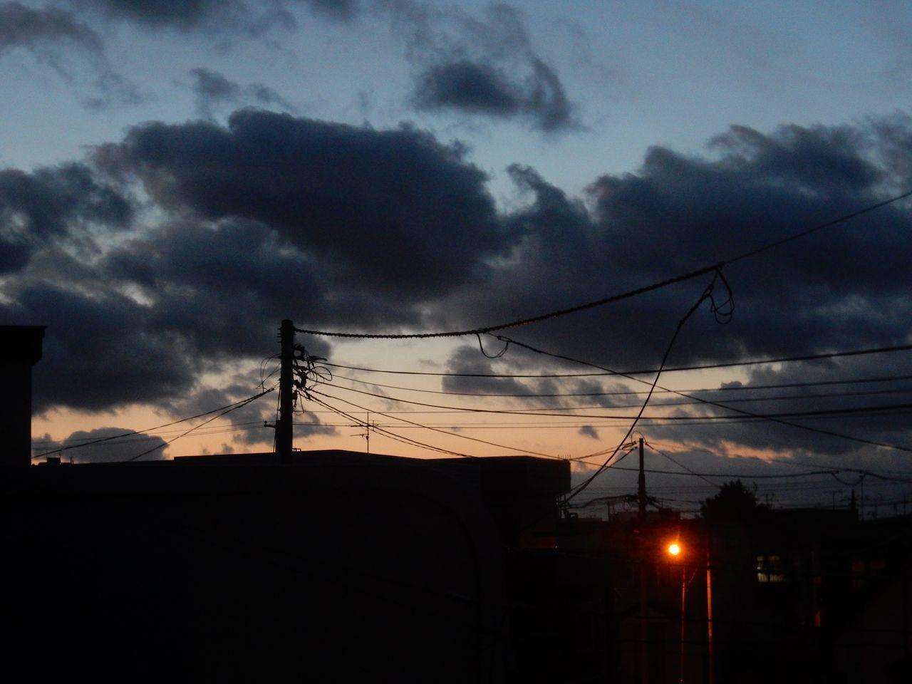 嵐が去ってストロベリー・ムーンのおぼろ月_c0025115_21380002.jpg