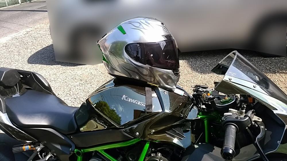 ショウエイのX-14を塗ってみた。輩のカワサキ Ninja H2乗り専用。_d0130115_13343339.jpg