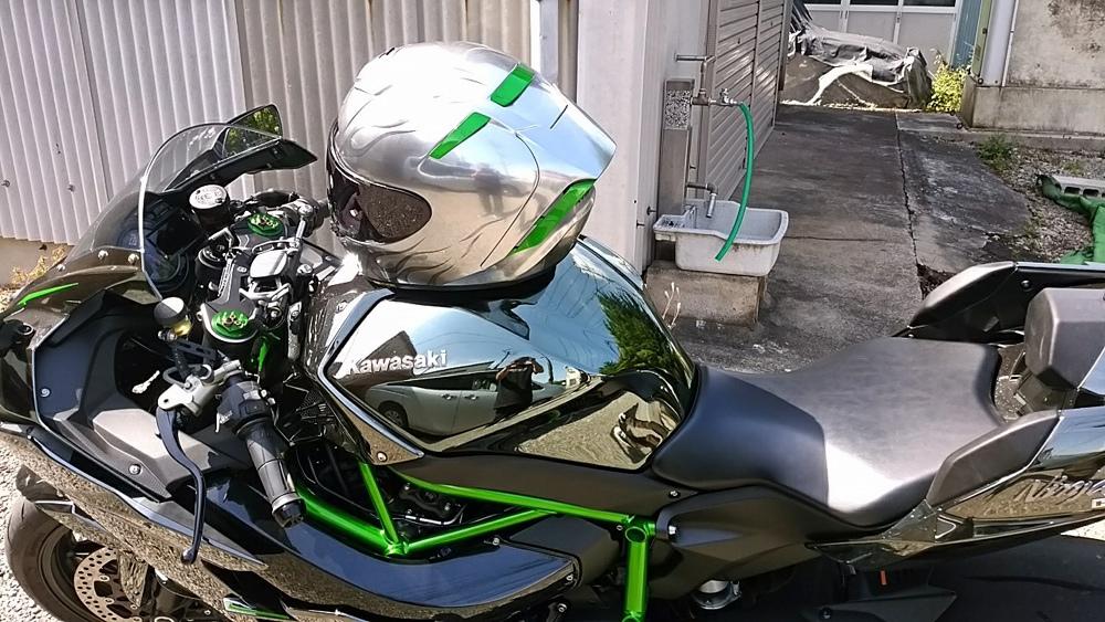 ショウエイのX-14を塗ってみた。輩のカワサキ Ninja H2乗り専用。_d0130115_13350089.jpg