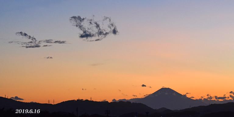 この日は‥ 『90km先の富士』_d0251161_08173472.jpg