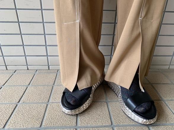CHIGNONSTAR☆ステッチスリットPants☆_e0269968_15200167.jpg