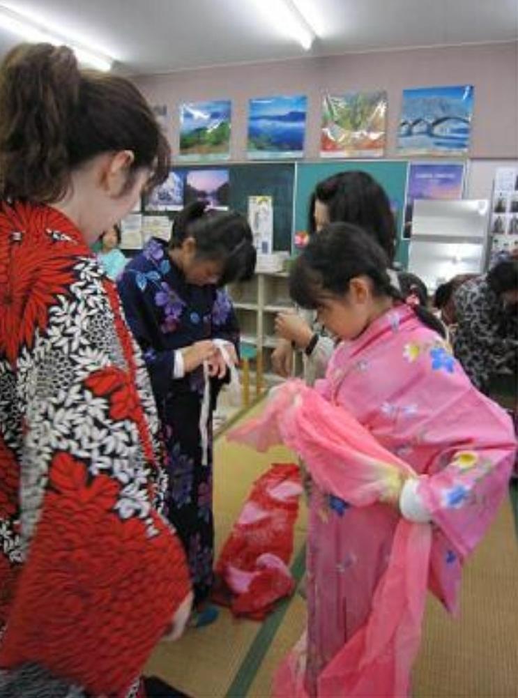 親子で習える、ゆかたの着方教室_b0113990_14165545.jpg