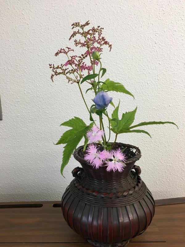 お茶花、盛花のお稽古_c0195496_17292323.jpg
