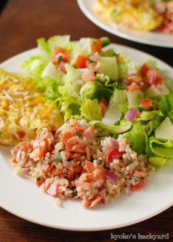紅鮭のオーブン焼き。翌日の玄米と紅鮭のサラダ_b0253205_04583566.jpg