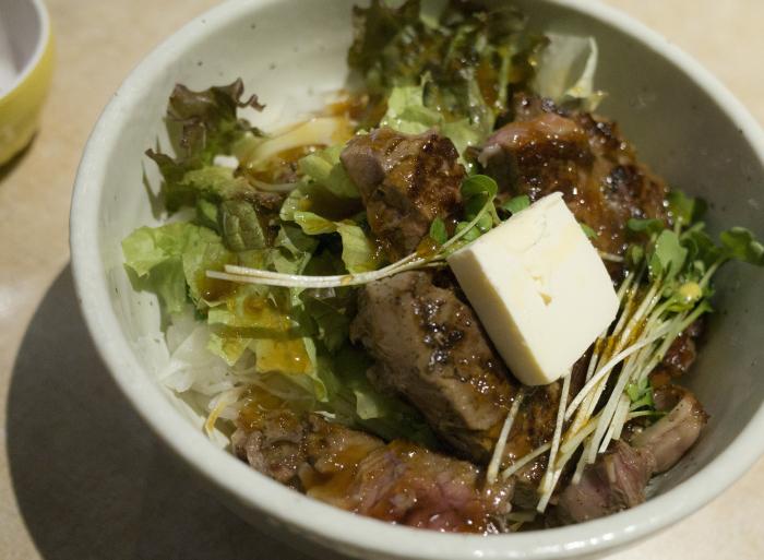 肉の大山 ステーキ丼_e0276411_19263014.jpg