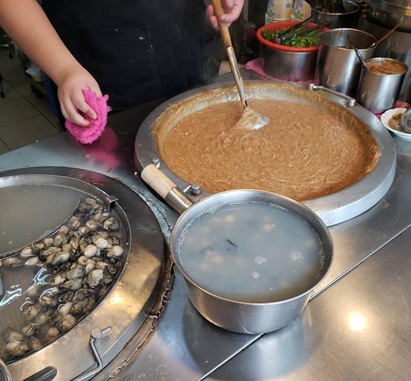 阿川蚵仔麺線~中山_a0114319_16443547.jpg