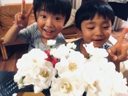 卒花様で今アシスタントの方より、結婚式12年後の、今のお話 7つの花_a0042928_18370216.jpg
