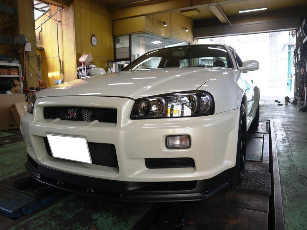 R34型GT-Rにレカロ装着_e0188729_14025842.jpg