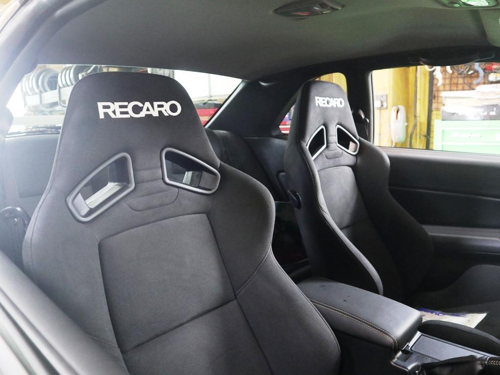 R34型GT-Rにレカロ装着_e0188729_14031011.jpg