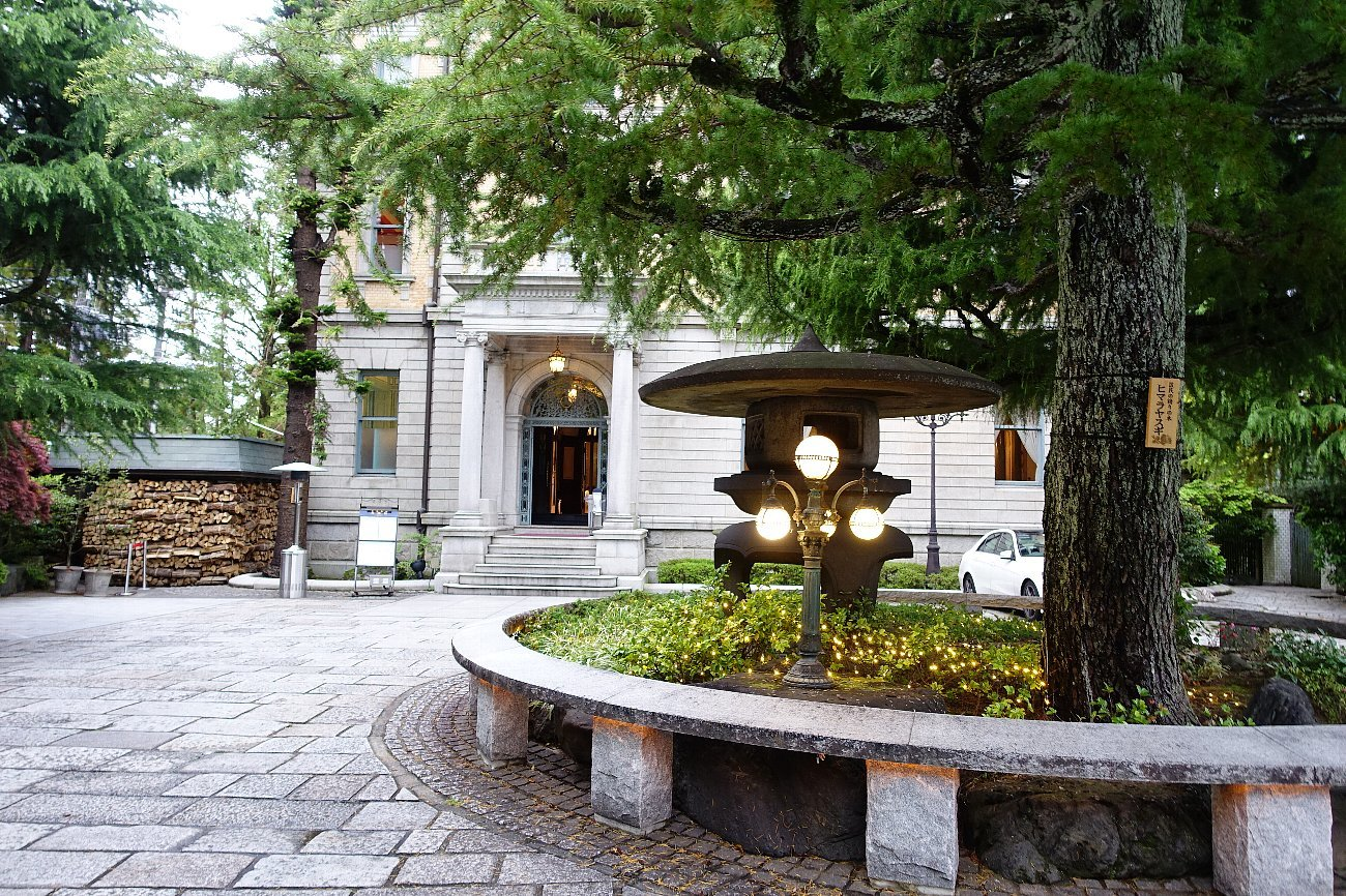 円山公園から八坂神社へ_c0112559_07340440.jpg