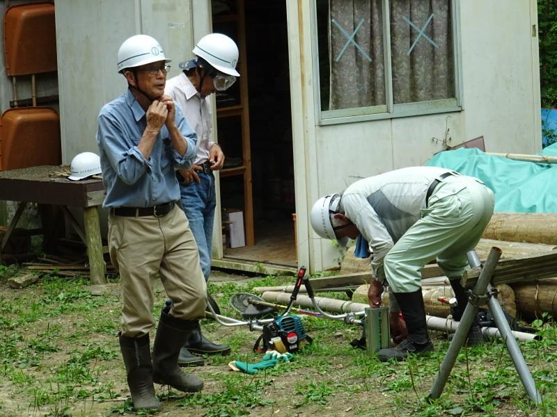 階段補修・草刈り・間伐 里山作業の継続・・・孝子の森_c0108460_18431770.jpg