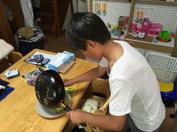 料理男子!! チビ'ズ キッチン~~♪_e0123286_19370944.jpg