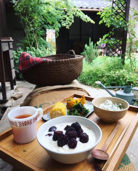 ベリーの季節と朝ごはん。_d0077603_17025989.jpg
