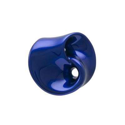 身につける漆 漆のアクセサリー ブローチ 飴細工 コバルト色 坂本これくしょんの艶やかで美しくとても軽い和木に漆塗りのアクセサリー SAKAMOTO COLLECTION wearable URUSHI accessories brooch Craftsmanship Candy Cobalt blue 飴細工を思わせる滑らかな曲線が美しいフォルム、発色の良い鮮やかな強いブルーが上品でクールな印象を演出、華やかに上品に襟元を演出しスーツやニットのワンポイントにも素敵、お手持ちのコードを通してペンダントとしても楽しめます。 #ブローチ #飴細工 #コバルト色 #青いブローチ #軽いブローチ #漆のブローチ #broach #cobaltblue #Craftsmanship #CandyBroach #BroachPendant #漆のアクセサリー #漆塗り #軽さを実感 #身につける漆