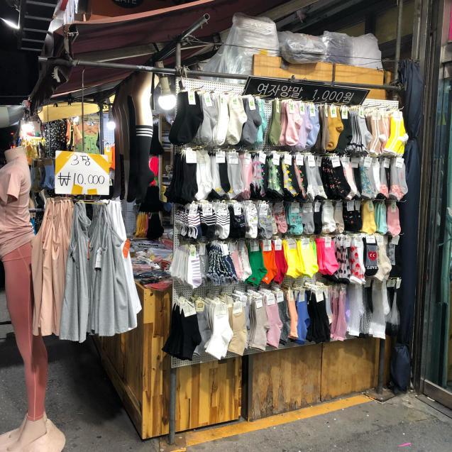 19年6月ソウル その2☆東大門で靴下買うならココ!_d0285416_19030183.jpg
