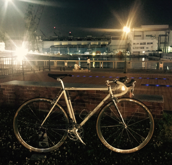 夜のシルバーホイールは輝きが深い!!_d0182937_16340317.jpg