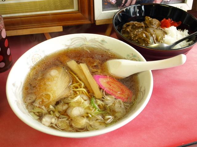 マルケイ食堂 その9 (正油ラーメン 小カレー)_d0153062_10175573.jpg