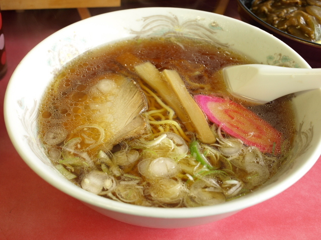 マルケイ食堂 その9 (正油ラーメン 小カレー)_d0153062_10203184.jpg