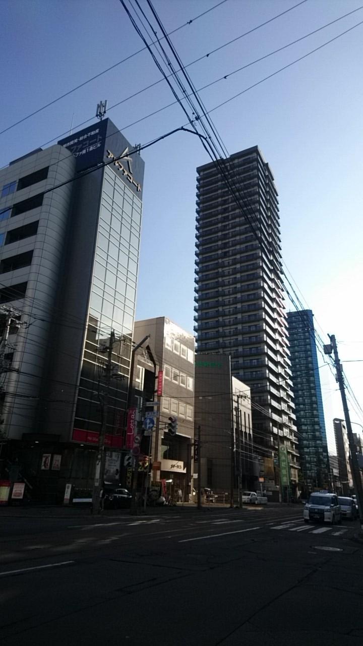 様変わりする札幌市電の沿線_b0106766_18102187.jpg