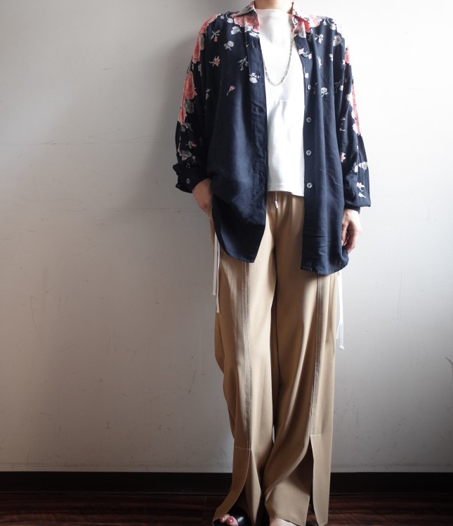 CHIGNONSTAR☆ステッチスリットPants☆_e0269968_15294585.jpg