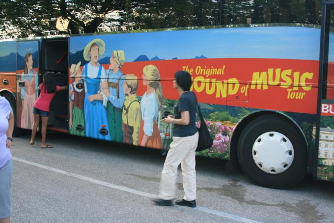 サウンド・オブ・ミュージックのツアー_d0193569_08404017.jpg