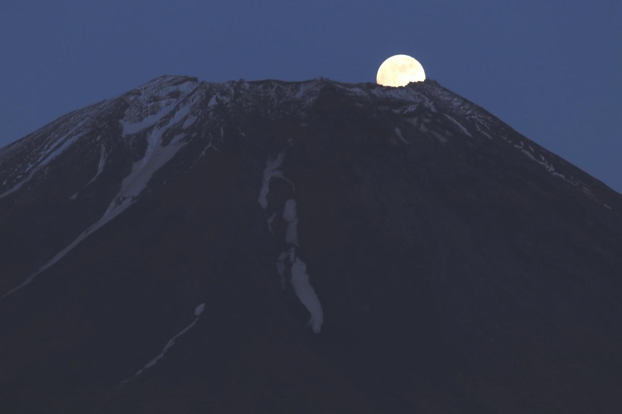 夏姿の富士山にストロベリーム~ン_a0188405_07473925.jpg