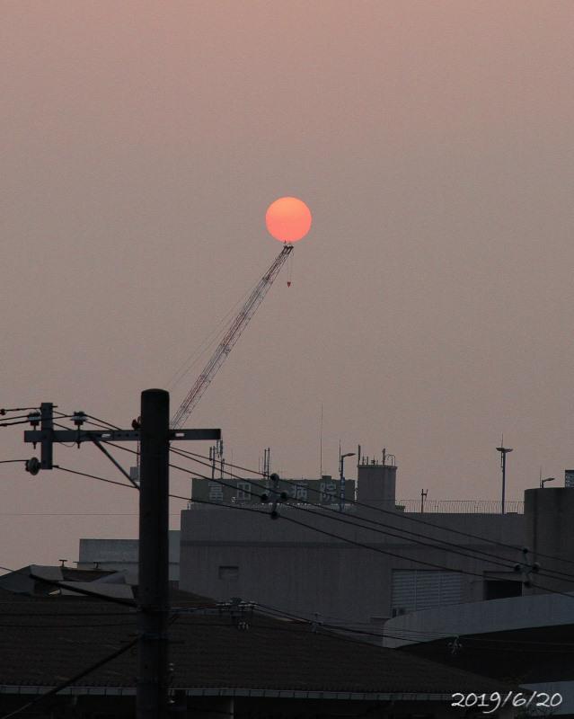 今朝の太陽_e0310446_05512678.jpg