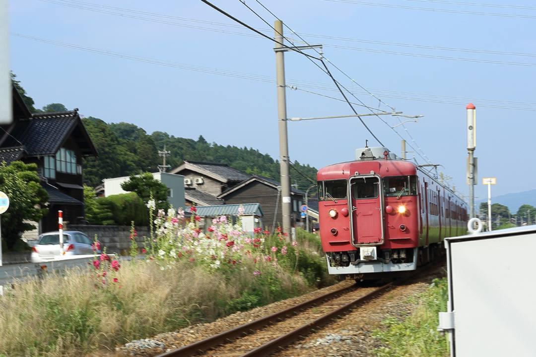電車に花_e0403850_01304727.jpg