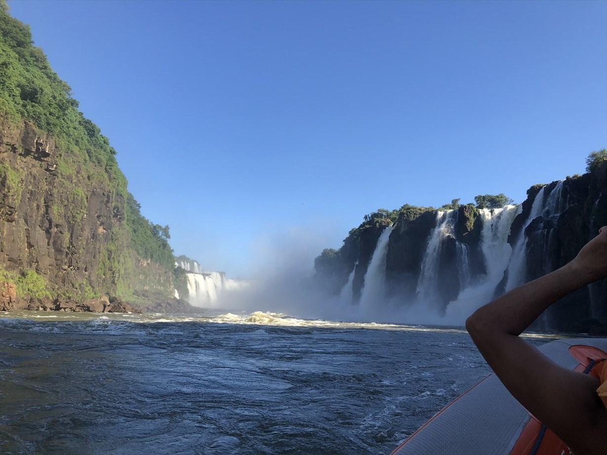 中南米の旅/60 迫力あり過ぎ!(*_*;ボートツアー@イグアス_a0092659_00075026.jpg