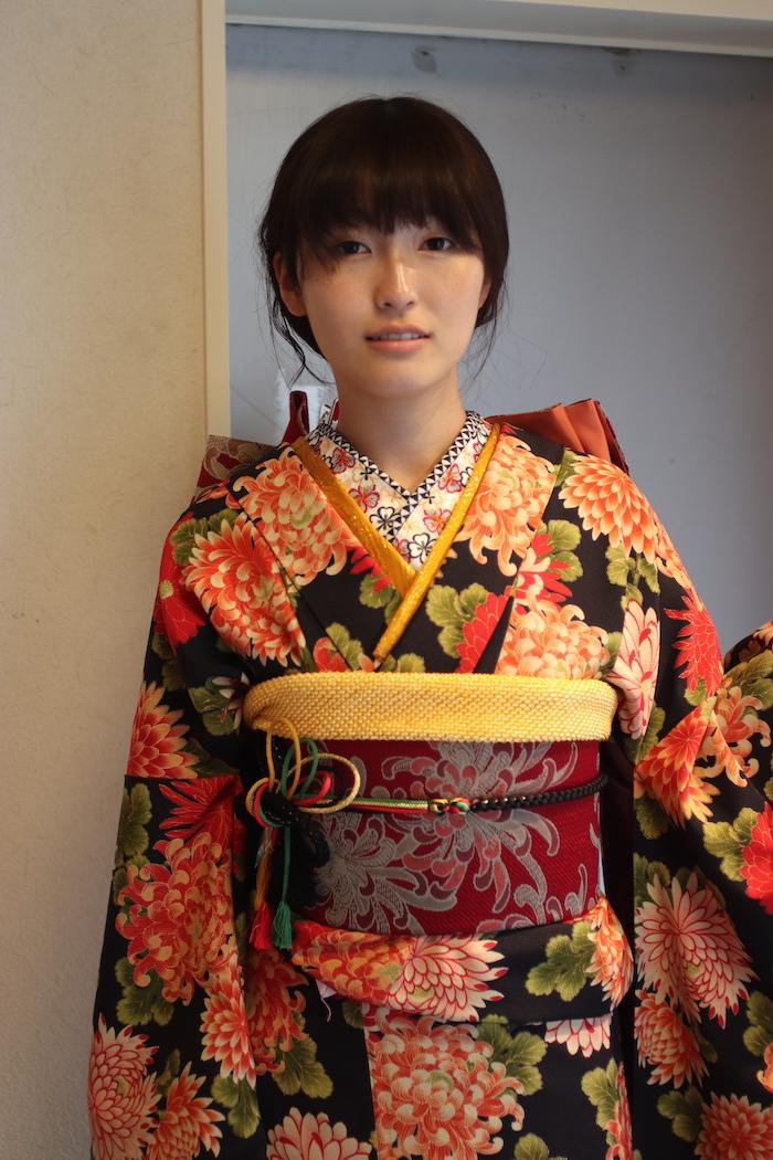 Yuukaちゃんはアンティーク柄の振袖で_d0335577_11475239.jpg
