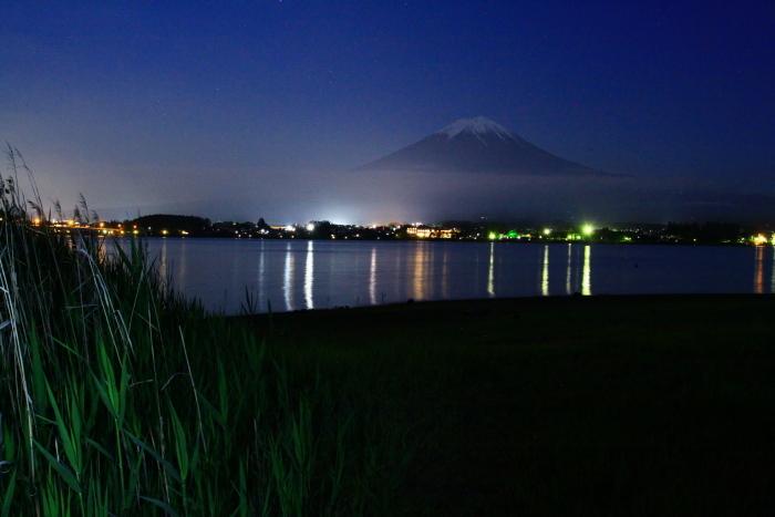 令和元年6月の富士(12)河口湖の夜の富士_e0344396_18100416.jpg