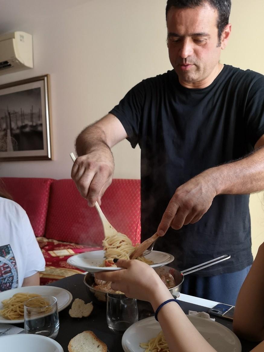 旅の楽しみはキッチン付きアパートでの料理_f0106597_02594047.jpg