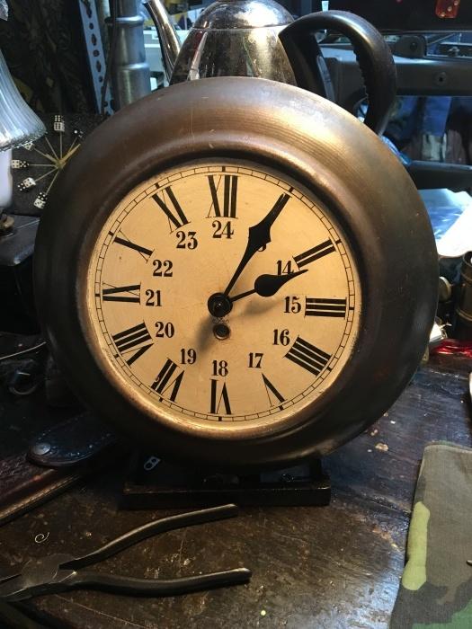 wall clock_b0120103_07443770.jpeg