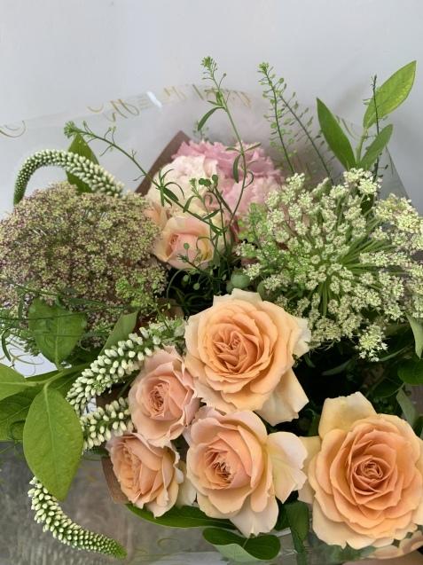さりげなく、さりげなく、素敵な花束。_b0196913_17265925.jpeg