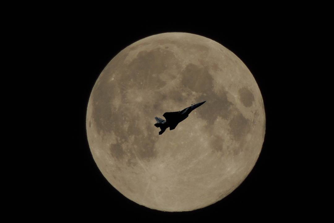 夜間飛行_e0403850_06261541.jpg
