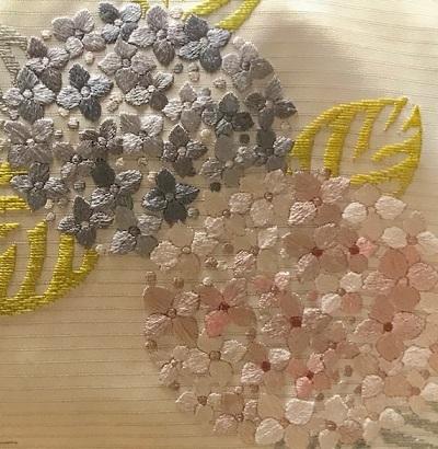 紫陽花の美しい季節・自作の紫陽花の刺繍帯のお客様。_f0181251_18520342.jpg