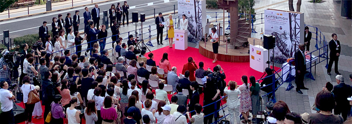 Femmes du Monde様/JANAT Paris様「エッフェル塔竣工130周年記念イベント」制作事例_d0391754_2382912.jpg
