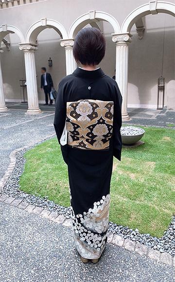 お母様とお嬢様お祝いの心こもった素敵な着物姿でご参列_b0098077_10012071.jpg
