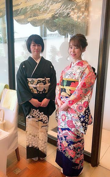 お母様とお嬢様お祝いの心こもった素敵な着物姿でご参列_b0098077_10012671.jpg